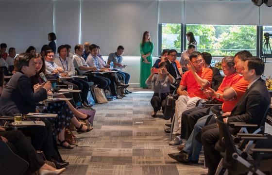 Lãnh đạo FPT, Viettel, VNPT thảo luận với 100 trí thức trẻ người Việt về chiến lược quốc gia 4.0 ảnh 4