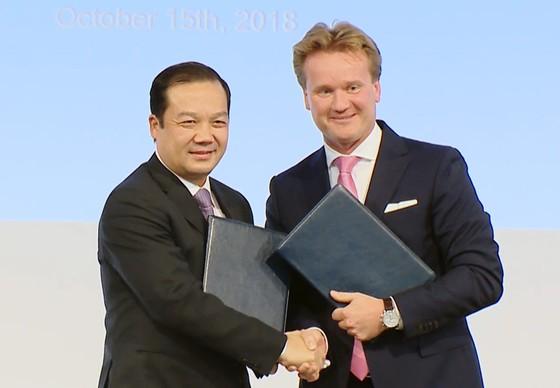 VNPT ký kết nhiều thỏa thuận hợp tác quan trọng với đối tác châu Âu ảnh 1