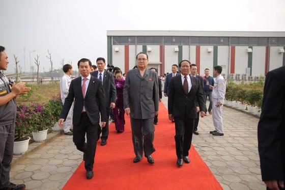 Đoàn cấp cao Triều Tiên tham quan nhà máy sản xuất ô tô của Vingroup  ảnh 4