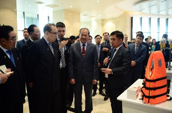 Đoàn cấp cao Triều Tiên tham quan tổ hợp nghiên cứu, sản xuất thiết bị dân sự của Viettel ảnh 5