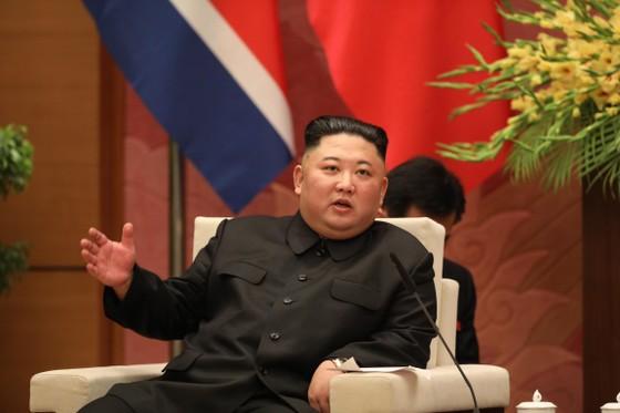 Thủ tướng Nguyễn Xuân Phúc hội kiến với Chủ tịch Kim Jong-un ảnh 9