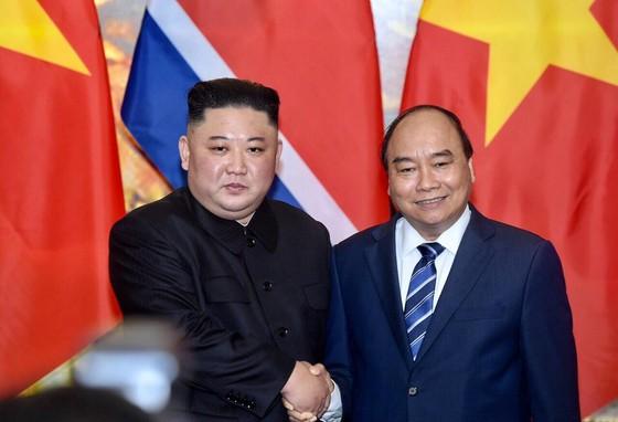Thủ tướng Nguyễn Xuân Phúc hội kiến với Chủ tịch Kim Jong-un ảnh 4