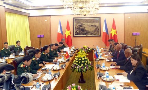 Bộ trưởng Quốc phòng Philippines thăm chính thức Việt Nam ảnh 5