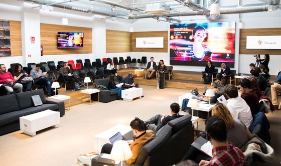 Vingroup mở bán điện thoại thông minh Vsmart ở châu Âu ảnh 1