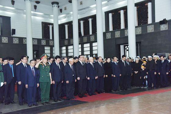 Cử hành trọng thể Lễ tang cấp Nhà nước Trung tướng Đồng Sỹ Nguyên  ảnh 2