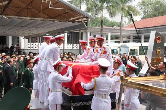 Tiễn đưa Trung tướng Đồng Sỹ Nguyên về nơi an nghỉ cuối cùng ảnh 6