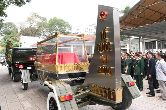 Tiễn đưa Trung tướng Đồng Sỹ Nguyên về nơi an nghỉ cuối cùng ảnh 7