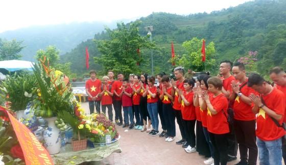 """Nguyên Chủ tịch nước Trương Tấn Sang tưởng niệm 35 năm """"ngày giỗ chung"""" mặt trận Vị Xuyên ảnh 7"""