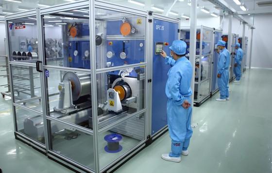 Khánh thành nhà máy sản xuất sợi quang đầu tiên của khu vực Đông Nam Á ảnh 1