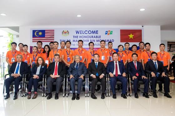 Thủ tướng Malaysia giao lưu về phát triển công nghệ và chuyển đổi số tại FPT ảnh 2