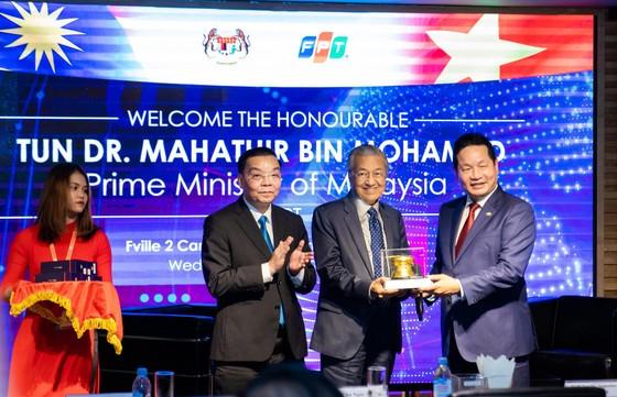 Thủ tướng Malaysia giao lưu về phát triển công nghệ và chuyển đổi số tại FPT ảnh 1