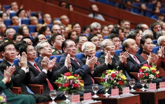 Tư tưởng Hồ Chí Minh mãi là ngọn cờ quy tụ sức mạnh toàn dân tộc ảnh 1
