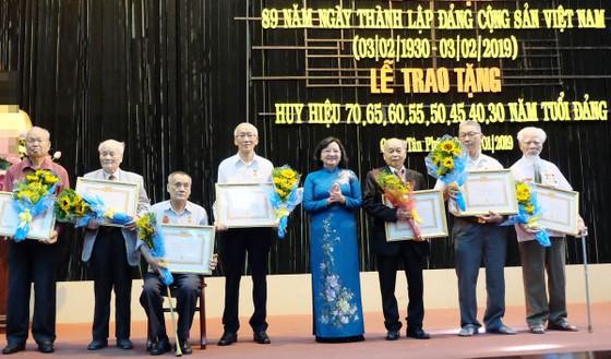 Trao Huy hiệu Đảng đợt 3-2-2019 cho 113 đảng viên ảnh 3