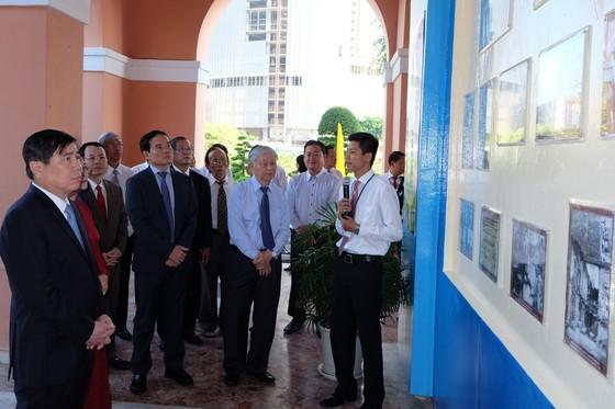 Đoàn đại biểu TPHCM dâng hương, dâng hoa tưởng nhớ Chủ tịch Hồ Chí Minh ảnh 2