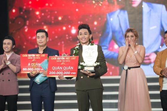 Hồng Thanh trở thành quán quân bảng tài năng Cười xuyên Việt 2017 ảnh 2