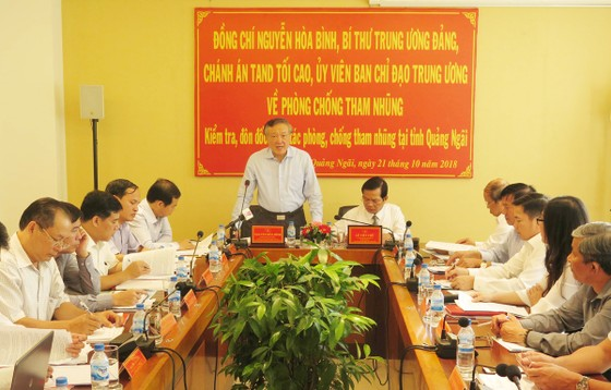 Đồng chí Nguyễn Hòa Bình làm việc với tỉnh Quảng Ngãi về phòng chống tham nhũng ảnh 1