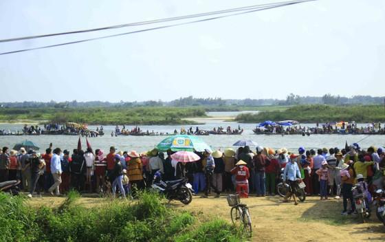 Nét đẹp lễ hội đua thuyền vùng sông nước ở Quảng Ngãi ảnh 1