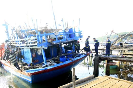 Quảng Ngãi: Cháy tàu cá, thiệt hại hơn 200 triệu đồng ảnh 2