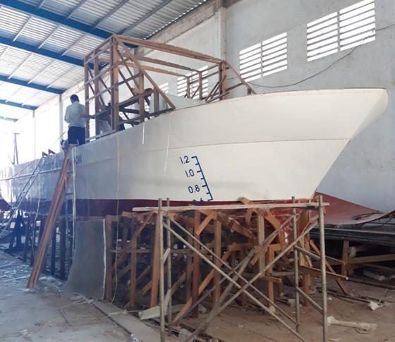 Đóng tàu tuần tra và lắp đặt phao phân vùng khu bảo tồn biển Lý Sơn ảnh 1