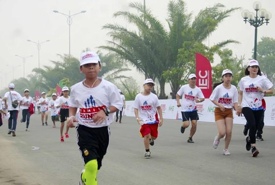 """Hơn 2.000 gia đình tham gia chương trình """"Gia đình chạy vì tương lai cùng IEC"""" ảnh 2"""