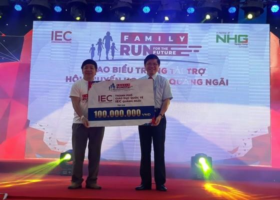 """Hơn 2.000 gia đình tham gia chương trình """"Gia đình chạy vì tương lai cùng IEC"""" ảnh 4"""