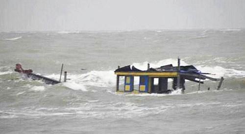 Gặp nạn trên biển, 2 vợ chồng ngư dân tử vong ảnh 1