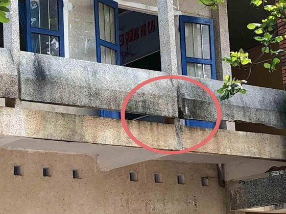 Quảng Ngãi: Trường THPT Lý Sơn xuống cấp, có nguy cơ đổ sập ảnh 1