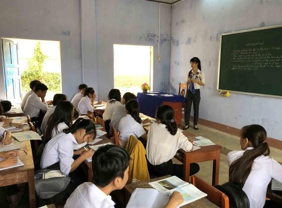 Quảng Ngãi: Trường THPT Lý Sơn xuống cấp, có nguy cơ đổ sập ảnh 3