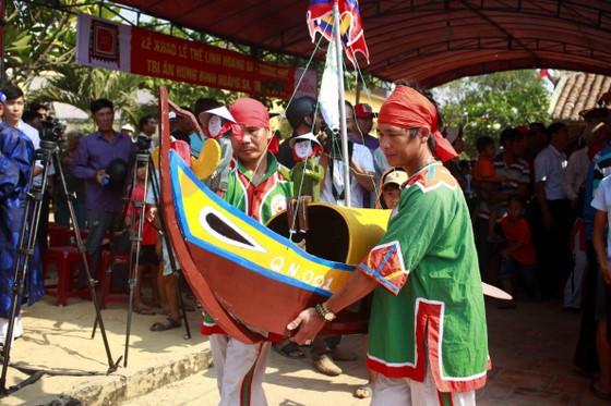 Lễ khao lề thế lính Hoàng Sa trên đảo Lý Sơn (Quảng Ngãi) ảnh 4