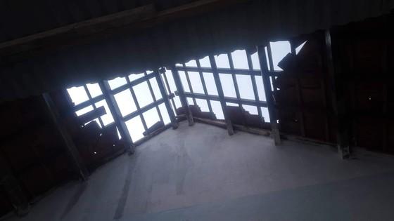 Quảng Ngãi: Gió lốc tốc mái 3 nhà dân, cây xanh đường ngã đổ ảnh 2