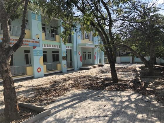 Vừa xây xong, hai trường mầm non ở Lý Sơn thành bãi tập kết rác ảnh 2