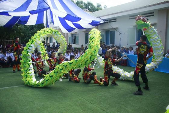 Tết Trung thu ở Trung tâm Nuôi dạy trẻ khuyết tật Võ Hồng Sơn ảnh 2