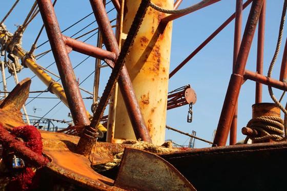 """Cận cảnh tàu vỏ thép NĐ 67 rỉ sét vì bị doanh nghiệp tráo thép """"dỏm"""" ảnh 2"""