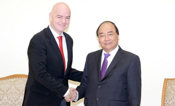 Thủ tướng Nguyễn Xuân Phúc tiếp Chủ tịch FIFA ảnh 2
