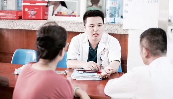 Tấm lòng bác sĩ trẻ ảnh 1