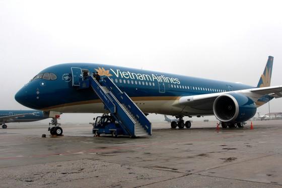 Vietnam Airlines hủy nhiều chuyến bay quốc tế do ảnh hưởng của bão Prapiroon ảnh 1