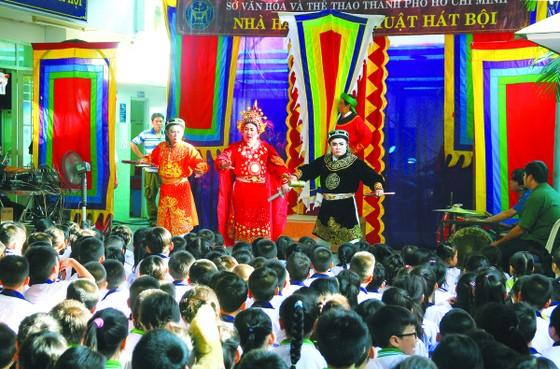 Hụt hẫng sân khấu học đường ảnh 1