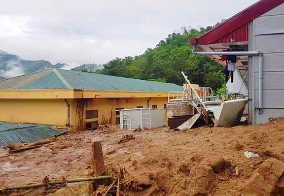 Mường Lát tan hoang sau lũ, di dời dân khẩn cấp ảnh 2