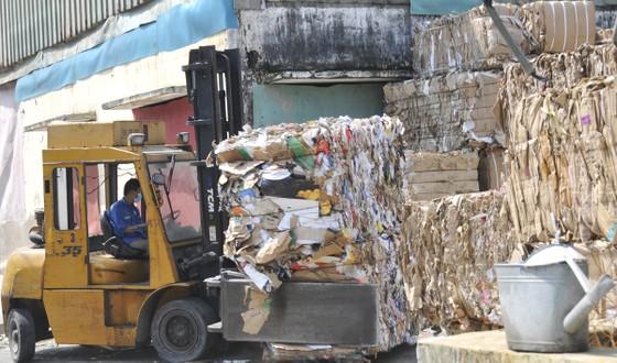 Siết nhập khẩu phế liệu: Ngành giấy bao bì lao đao ảnh 1