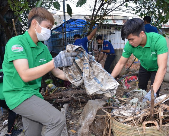 TPHCM phát động toàn dân không xả rác ra đường và kênh rạch ảnh 3