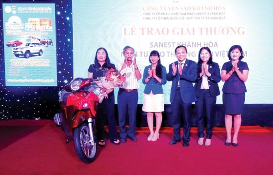 Trao thưởng khách hàng trúng giải Sanest Khánh Hòa - Niềm tự hào thương hiệu Việt Nam tại Phú Yên ảnh 1