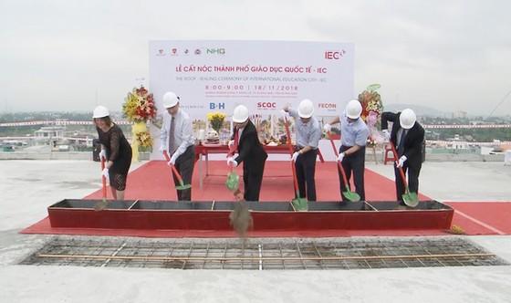 Cất nóc toàn dự án Thành phố giáo dục quốc tế IEC Quảng Ngãi ảnh 1