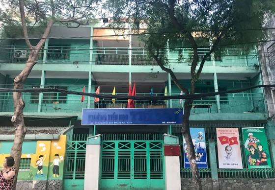 Trường học bỏ hoang ảnh 1