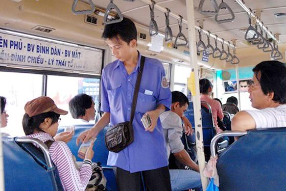 Tiếp viên xe buýt hành xử côn đồ ảnh 1