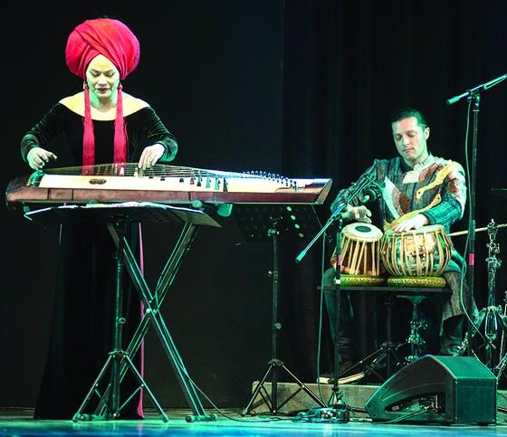 Nghệ sĩ Vân - Ánh Võ: Tự ý thức sứ mệnh quảng bá nhạc dân tộc      ảnh 1