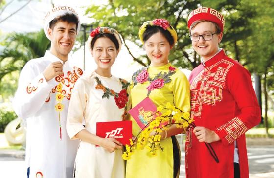 Tết Việt trong cảm nhận của sinh viên quốc tế ảnh 1
