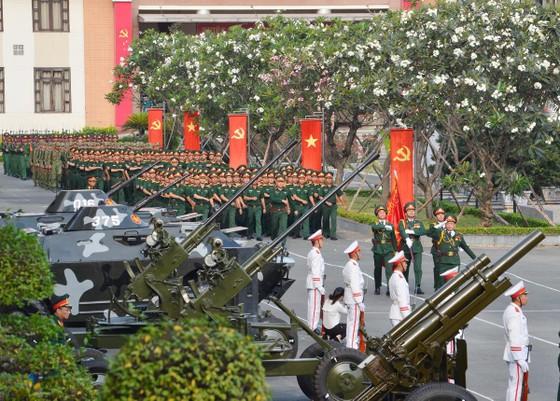 Bí thư Thành ủy TPHCM Nguyễn Thiện Nhân: Xây dựng TPHCM thành khu vực phòng thủ vững chắc ảnh 3