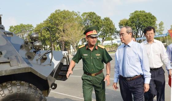Bí thư Thành ủy TPHCM Nguyễn Thiện Nhân: Xây dựng TPHCM thành khu vực phòng thủ vững chắc ảnh 5
