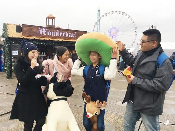 Tập đoàn giáo dục Nguyễn Hoàng trao hơn 1.000 suất học bổng quốc tế cho học sinh, sinh viên  ảnh 5