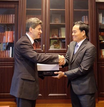 Nga đề xuất hỗ trợ đào tạo sinh viên Việt Nam  ảnh 1